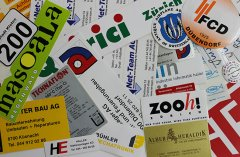 Im Digitaldruck drucken wir Sticker in allen Formen und Farben auch in Kleinauflagen